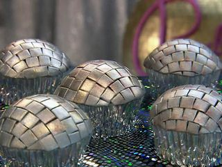 IP0302_Disco_Ball_Cupcakes_lg